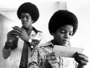 michael-jackson-young-reading-ticket