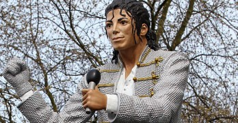 Fulham Soccer Team Erects Statue Of Michael Jackson