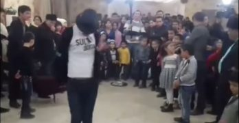 Michael Jackson Impersonator backflip fail
